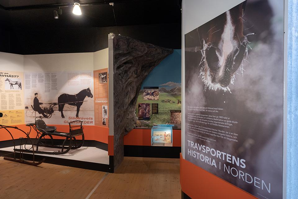 Utställningar-Travsportens-historia-1