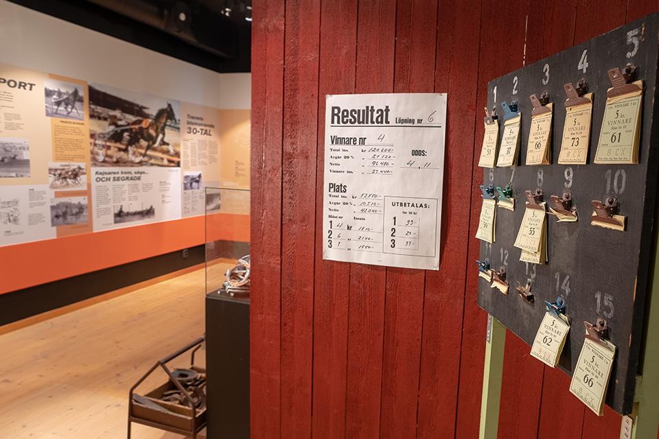 Utställningar-Travsportens-historia-8